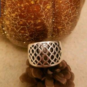 Retired James Avery Spanish tracery ring